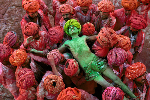 McCurry-S_U-Moments1