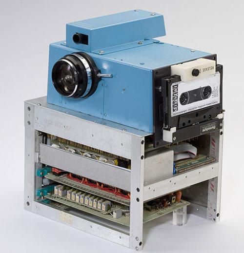 Kodak-first-camera_1