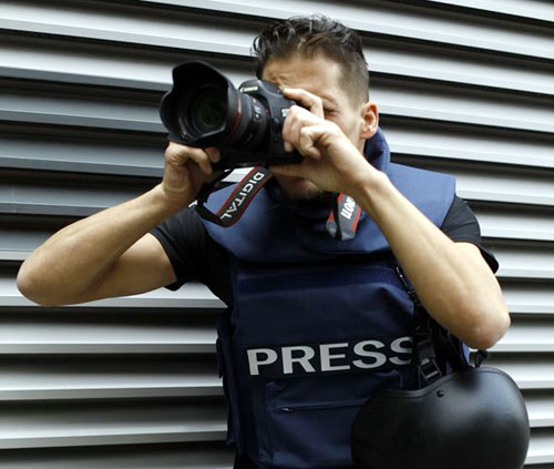 Press-Photographer1