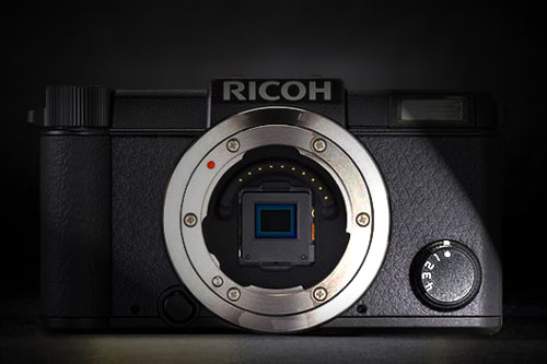 Ricoh-mirrorless1